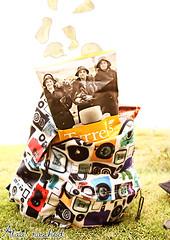 (Alaa rashid | آلاء) Tags: bag back chips تصوير طبيعة شيبس طيران شنطة آلاء اضاءة باك الاء سحري باق