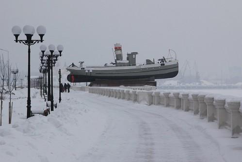 "Boat ""Hero"" («Герой») on a plinth beside the Volga River in Nizhny Novgorod"