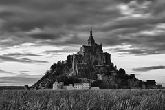 Le Mont-Saint-Michel le soir. (Zed The Dragon) Tags: ocean morning light sunset sky bw mer france saint st skyline architecture night skyscraper photoshop reflections pose french landscape geotagged effects photography soleil photo europe long exposure flickr minolta cloudy photos sony coucher ile bretagne full exposition frame nd normandie fullframe alpha michel 50 mont chteau reflets postproduction hdr highdynamicrange sal manche zed montsaintmichel francais matin lightroom baie le historique effets storia rgion longue parisien bassenormandie photomatix 24x36 a850 nd1000 dslra850 alpha850 zedthedragon