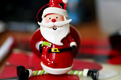 Santa Claus is coming to town (crafty1tutu (Ann)) Tags: santa christmas tree decoration noel ornament happyholidays merrychristmas anncameron ilovemypics qualitypixels canon5dmkiii gettycontributor crafty1tutu tamron90mm28lens vision:outdoor