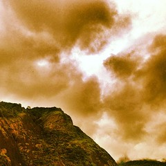 #clouds#rio#verao#mountains (Brasilnut2012) Tags: square squareformat lordkelvin iphoneography instagramapp uploaded:by=instagram foursquare:venue=4fbeb066e4b0b0419aa78b85