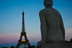 Eiffle Tower at sunset (Photography by Mike Elias) Tags: travel sunset paris france statue europe eiffeltower nationalgeographic cityoflights