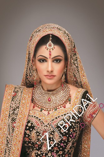 "Z Bridal Makeup 53 • <a style=""font-size:0.8em;"" href=""http://www.flickr.com/photos/94861042@N06/13904264553/"" target=""_blank"">View on Flickr</a>"