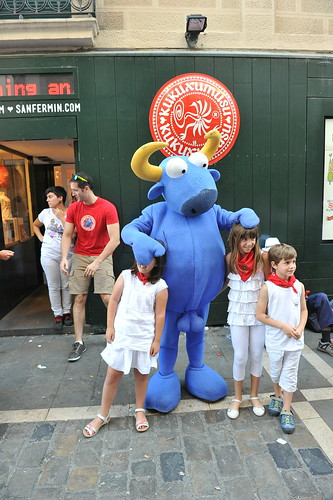 """SAN FERMIN 2015 13 • <a style=""""font-size:0.8em;"""" href=""""http://www.flickr.com/photos/39020941@N05/19667959485/"""" target=""""_blank"""">View on Flickr</a>"""
