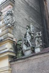 Rzeźby (magro_kr) Tags: kłodzko klodzko polska poland śląsk slask dolnośląskie dolnoslaskie rzeźba rzezba detal szczegół szczegol architektura herb heraldyka sculpture detail architecture coatofarms heraldry
