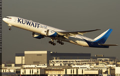 Kuwait Airways new Livery (zoomerphil) Tags: london heathrow egll lhr kuwait kuwaiti airways fly passenger tourist holiday business oil war aeroplane plane jetplane airliner boeing 777 773 773er