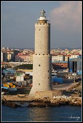 Faro en Livorno (Italia, 30-6-2009) (Juanje Orío) Tags: italia livorno 2009 faro puerto mar costa mediterráneo