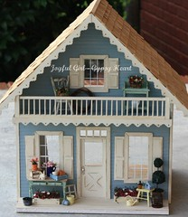Summer Garden Cottage (*Joyful Girl  Gypsy Heart *) Tags: flowers blue miniature gray cottage 112 dollhouse joyfulgirlgypsyheart