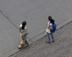 A1605 (lumenus) Tags: india bombay pedestrians maharashtra mumbai bandra