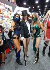 Zatanna with Mortal Kombat girls at SDCC 2013 (Cutterin) Tags: woman girl dc kat san comic cosplay diego adamhughes comiccon con mortalkombat sdcc zatanna 2013 sdcc2013 sandiegocomiccon2013 cutterin dreamhats