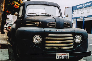 Old Ford (Ford F1 Pick-up Truck)