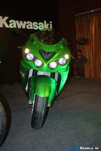 Kawasaki-Ninja-ZX-14R-06