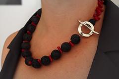collana _ pietra lavica_black&red