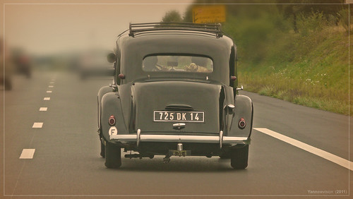 Old French car - Citroën Traction 11B (France) 2011