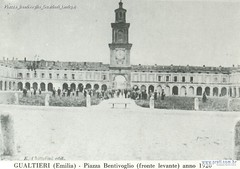 Piazza Bentivoglio Gualtieri (antiga)