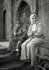 Mujeres en la Medina de Oujda (LOriental, Marruecos) (dleiva) Tags: africa portrait person retrato morocco medina marruecos socialdocumentary moroc oujda dleiva domingoleiva ouchda