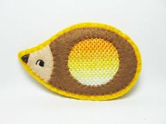 Ombre hedgehog - radiography of a hedgehog felt brooch (hanaletters) Tags: motif pin handmade traditional brooch felt ombre needlepoint hedgehog etsy chevron hanaletters