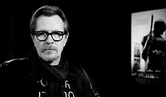 #Paris now with #GaryOldman in front of my camera #interview #robocop @europe1 #lesincontournables (nikosaliagas) Tags: