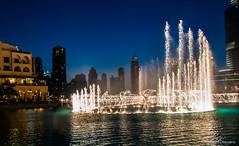 Arab Emirates 131028 18_13_16 (Renzo Ottaviano) Tags: show fountain dubai united emirates khalifa arab lorenzo uniti renzo arabi burj برج emirati دبي ottaviano نافورة emiratiarabiuniti خليفة