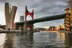 Puente La Salve de Bilbao. (P.H.F.) Tags: puente de la salve bilbao bizcaia ría nervión museo entorno guggenheim nubes zona