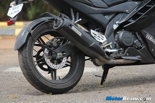 2013-Yamaha-R15-25