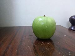 IMG_20130609_001754 (Ahmed AlHallak) Tags: green apple table stem half sliced stalk