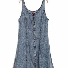 ชุดยีนส์นำเข้าสวยพร้อมส่งค่ะ ชุดยีนส์แขนกุด700 โทร0831797221 www.lotusnoss.com ด่วนcollection jeansจำนวนจำกัดค่ะ