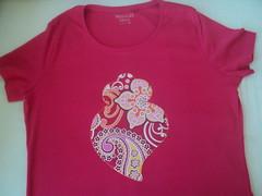 T-Shirts (Craftmania) Tags: arte fuxico tshirts tecidos aplicada prendinhasmenina