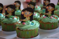 Hula Girl Cupcakes (beaumontpete) Tags: girl cake cupcakes hula desserts luau wilton