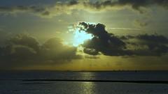 Solent Sunrise (Mark Champion) Tags: morning sunrise solent calshot epm2