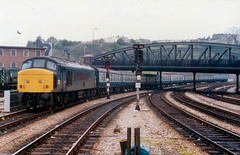 45106 with ECS at Bristol Temple Meads 11.05.1985 (The Cwmbran Creature.) Tags: rail class 45 british