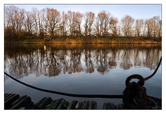 Autumn at the boathouse _ 3 (leo.roos) Tags: autumn reflection fall herfst denhaag mooring rowboat boathouse rowingclub zuiko thehague a7 zuidholland weerspiegeling rowingboat roeiboot roeivereniging darosa roeiclub leoroos stichtingwatersportaccommodatiedemadelief boomaweg olympusom2420