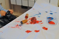 Termine ! 2013-349 (fred_v) Tags: blue red rouge kid paint peinture bleu enfant