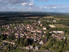 Saint Sauveur en Puisaye vue du ciel (Office de Tourisme Portes de Puisaye-Forterre) Tags: colette yonne saintsauveur puisaye