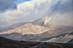 Camino de interiores (Marcos GP) Tags: peru rural camino valle montaa arequipa peruvian tierra marcosgp