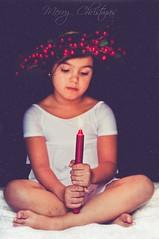 Merry Christmas [+1] (marywilson's eye) Tags: christmas old light red white snow cute texture blanco luz girl vintage navidad kid rojo ancient nikon candle child julia nieve retro niña corona crown merry feliz vela coronet antiguo d90 deseos texturized whishes vsco