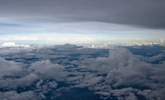 regreso de Guatemala 18 (Visualstica) Tags: clouds nuvole wolke aerialview aerial nubes nuage area windowseatplease vistaarea