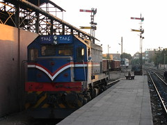 12.GM in south facing bay at Luxor (Scubatrack) Tags: egypt luxor railways