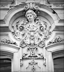 Looking down (elinor04 thanks for 25,000,000+ views!) Tags: city building architecture design architecturaldetail budapest style inner architect mascaron stucco nay ornamentation neobaroque 1894 nayrezs