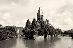 The church and the river (imboscata) Tags: france church river island swans metz moselle