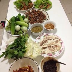 กับข้าว มื้อเย็น พร้อมหน้า พร้อมตา ครอบครัว
