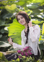Thuỵ Vân Á hậu (duyblog.com • nguyenanhduy.com) Tags: lotus sen yếm đầmsen áoyếm thuỵvân trongdamgidepbangsen