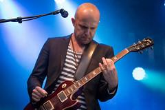 Maija Vilkkumaan kitaristi