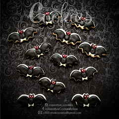 MiniHalloween_Bats (cREEative_Cookies) Tags: creeatve cookies ree halloween hallows dia delos muertos candy skulls typography sugar art decorated cookie decorating party theme desserts holiday dessert zombie eyeball nightmare before christmas jack skellington sandy cupcakes spiders pumpkins jackolanterns leaves platter ghosts corn bats blood bloody cut finger ears butcher 3d