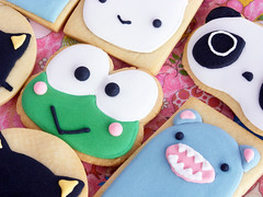 Keroppi and Tarepanda Cookies (IFeelCook) Tags: cookies recipe rice kawaii tray japanesefood props tarepanda chococat sugarcookies keroppi royalicing chickentray japanesepopculture bunnycookies kawaiicookies bearcookies riceroar