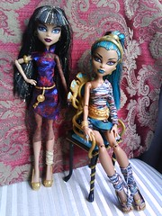 Cleo and Nefera (LilyVampWolf) Tags: abbey monster princess vampire volunteer cleo mh clawdeen monsterhigh