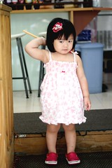 Hi~I'm  Zorie. (Zorie Huang) Tags: morning light portrait baby cute girl canon naughty asian kid infant child dress innocent taiwan lovely taiwanese oneyearold streetsnap zorie 123brunch
