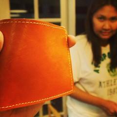 นักเรียนคุณแอนทำกระเป๋าสตางค์เป็นใบแรก ได้ข่าวว่าทำให้คุณแฟน แต่ยังไม่กล้าใช้ เกรงจัยยย /ครูกัซแอบแซวนิดนึงนะครับ