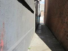 Row 69 (LookaroundAnne) Tags: norfolk corridor row yarmouth greatyarmouth passageway pathscaminhos