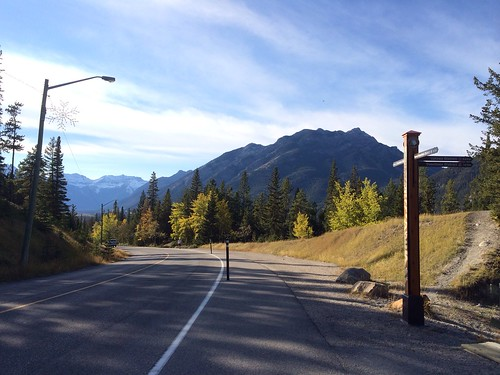 Tunnel Mountain Road